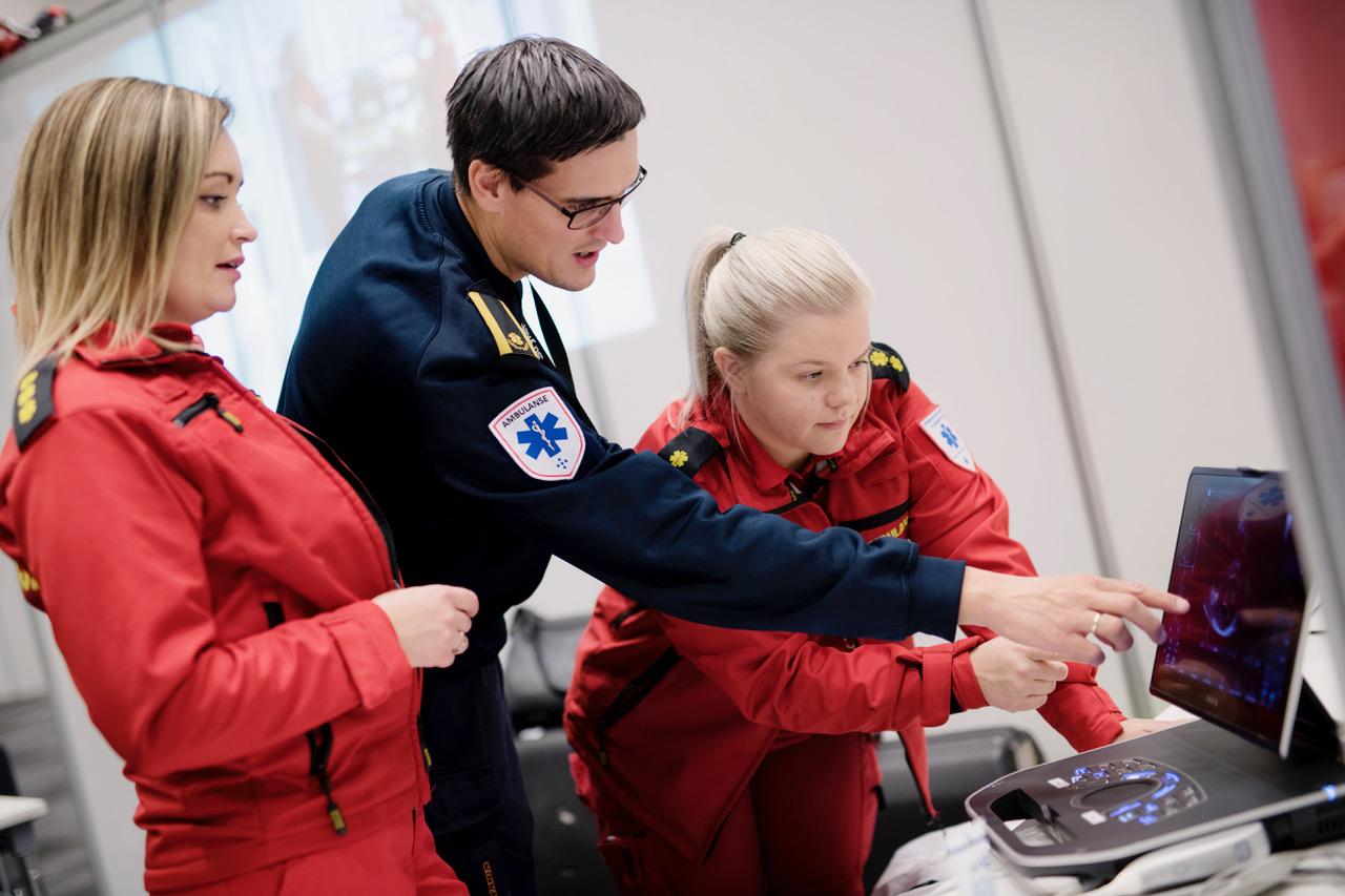 Infarktambulansen på Sørlandet sykehus i samarbeid med SNLA hadde både foredrag og workshop på AmbulanseForum 2018. Foto: Siv Dolmen