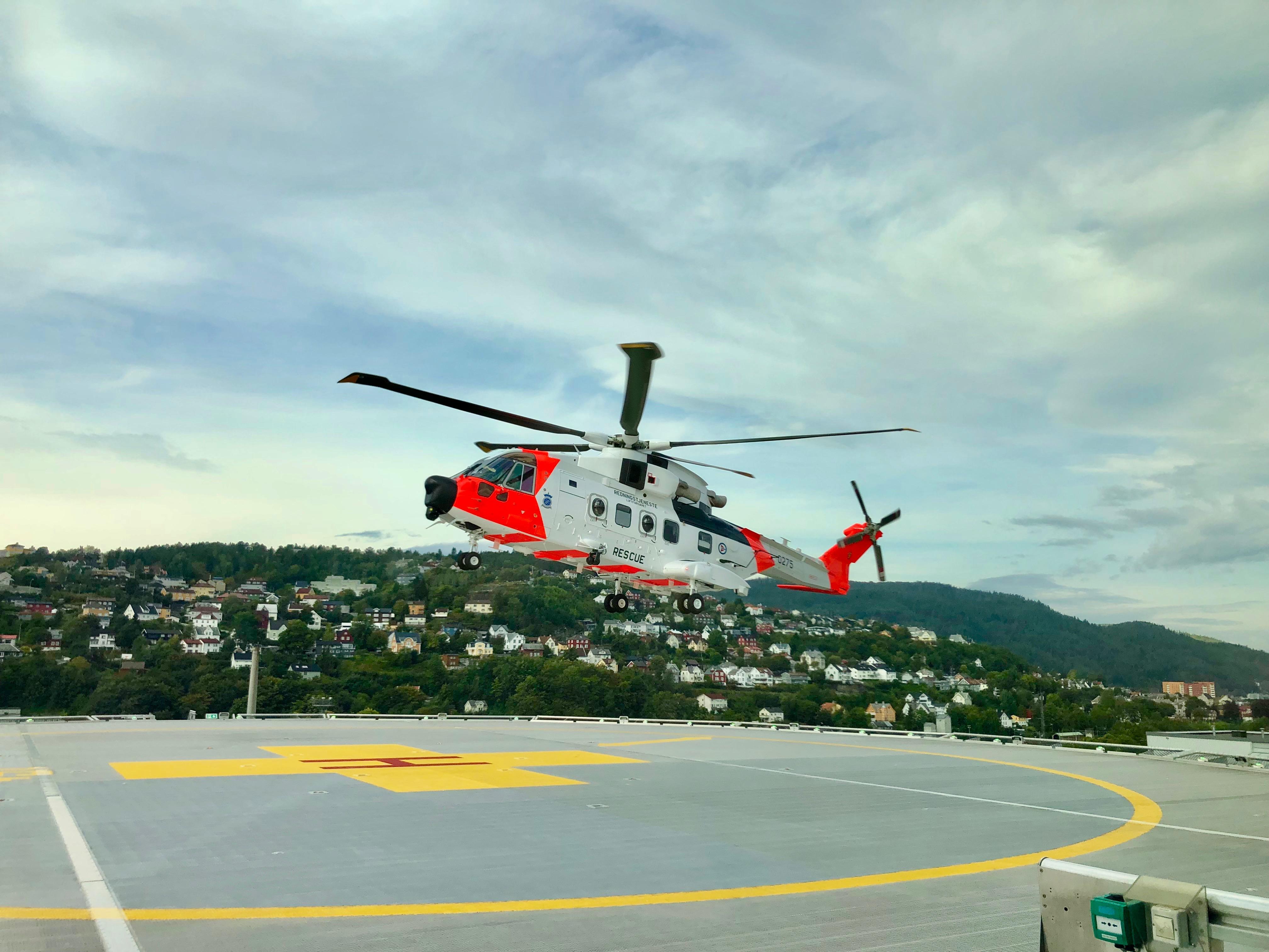 AW101 Norges nye redningshelikopter lander for første gang på St. Olavs hospital 11. september 2019. Foto: Live Oftedahl