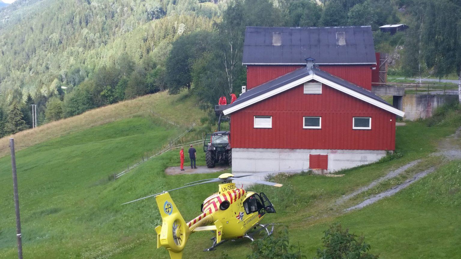 Her ser vi et værkamera plasseres på Guterud gård. Foto: Privat