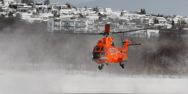 Super Puma (AS332 L1) på Langnes lufthavn i Tromsø. Foto: Dag Ketil Henriksen, UNN