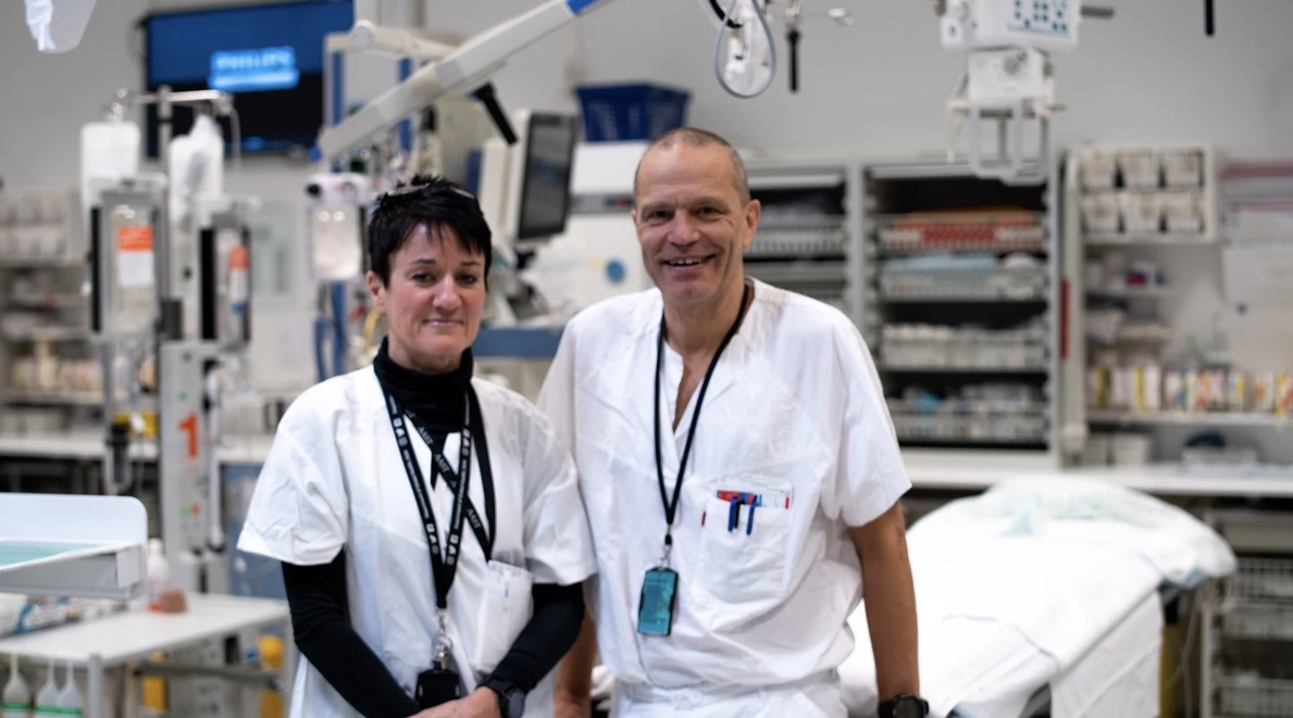 Tina Gaarder og Pål Aksel Næss på traumestua Ullevål sykehus. Foto: Du puster for fort