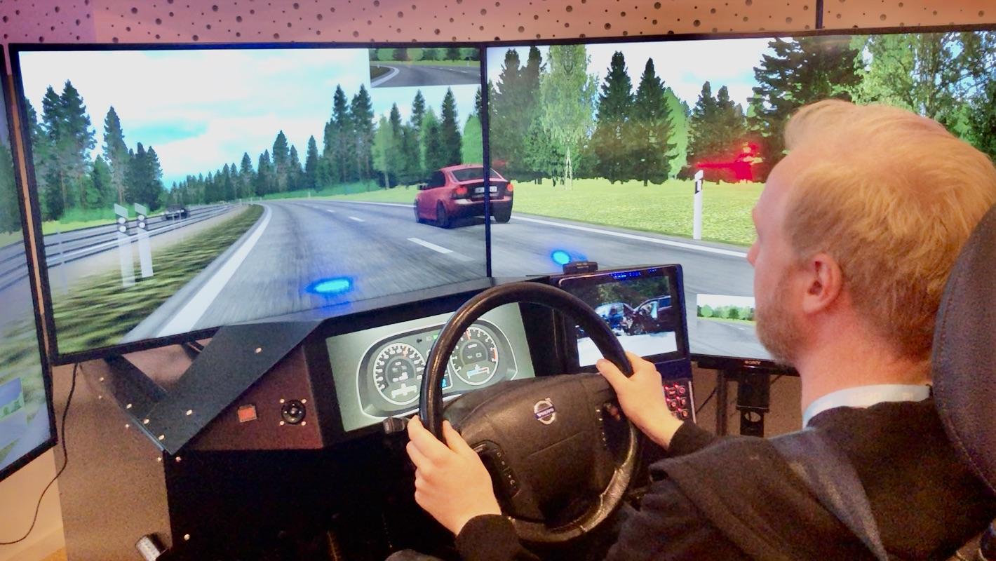 Blålyssimulatoren til det svenske trafikkinstituttet var på besøk på Ambulanseforums konferanse i 2019.